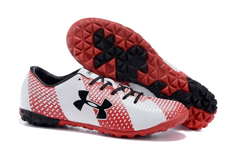 Oferta Botas Under Armour Clutchfit Force TF Negro Rojo