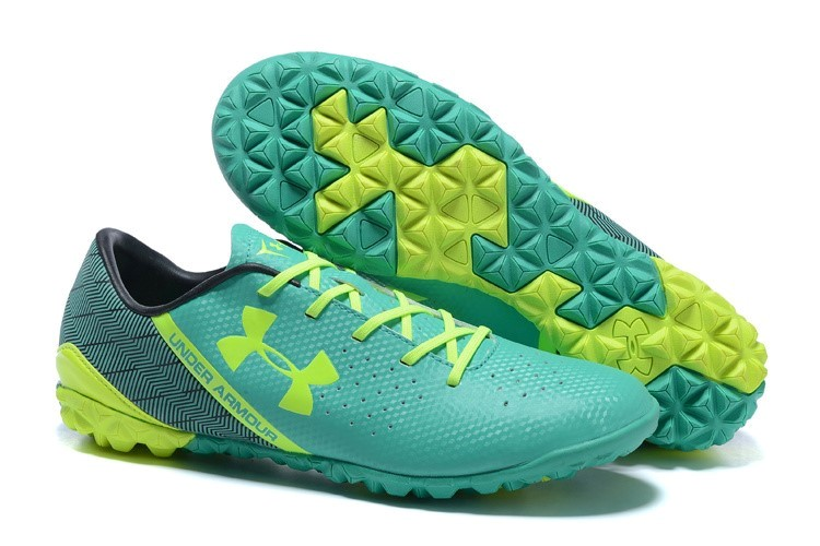 Oferta Botas Under Armour Clutchfit Force TF Negro Verde